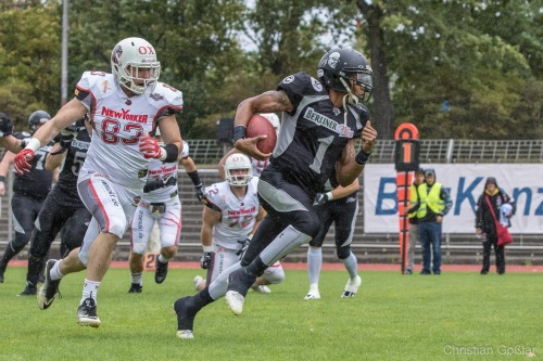 Quarterback Terrel Robinson bleibt in Berlin