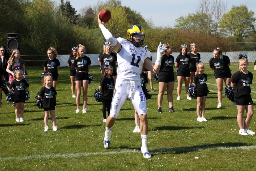 Quarterback Casey Therriault Hildesheim Inavders