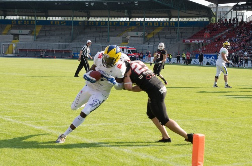 Anthony Dable-Wolf, Hildesheim Invaders fängt einen Touchdown Pass