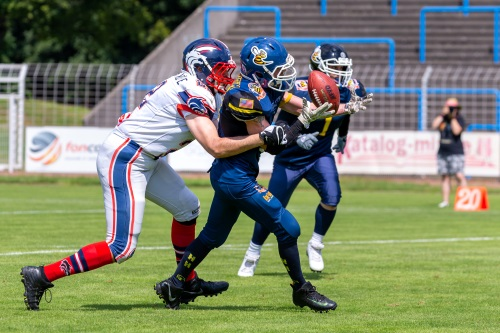 Christian Röhrsheim Hanau Hornets fängt Interception