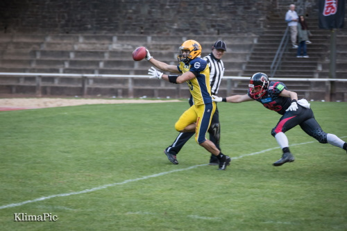 Widereceiver Nassim Amroun, Elmshorn Fighting Pirates macht den Touchdown