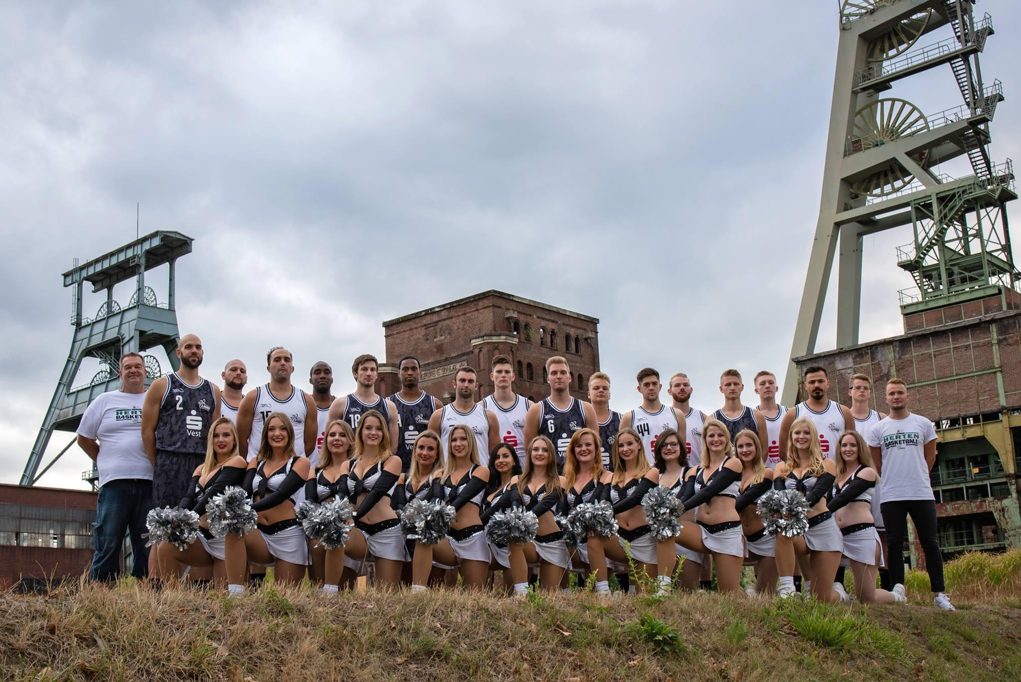 Magic Paws Cheerleader American Football Team aus Herten ...
